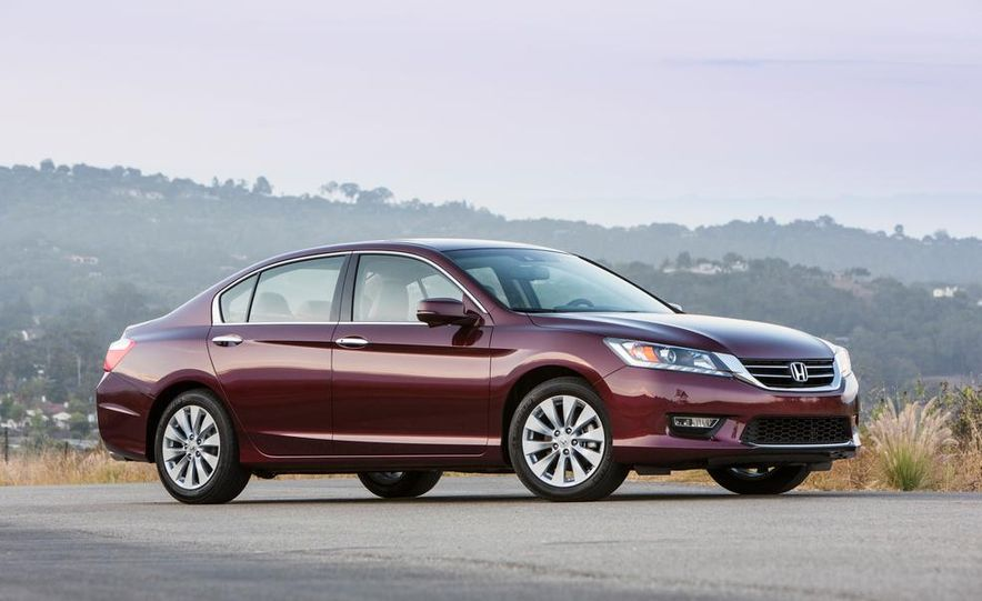 2014 Honda Accord EX-L V-6 sedan model shown - Slide 3