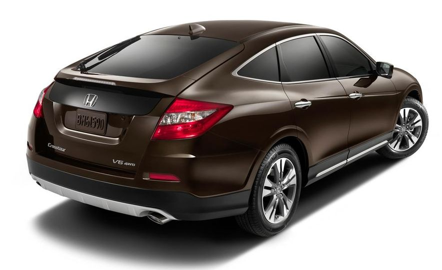 2014 Honda Accord EX-L V-6 sedan model shown - Slide 35