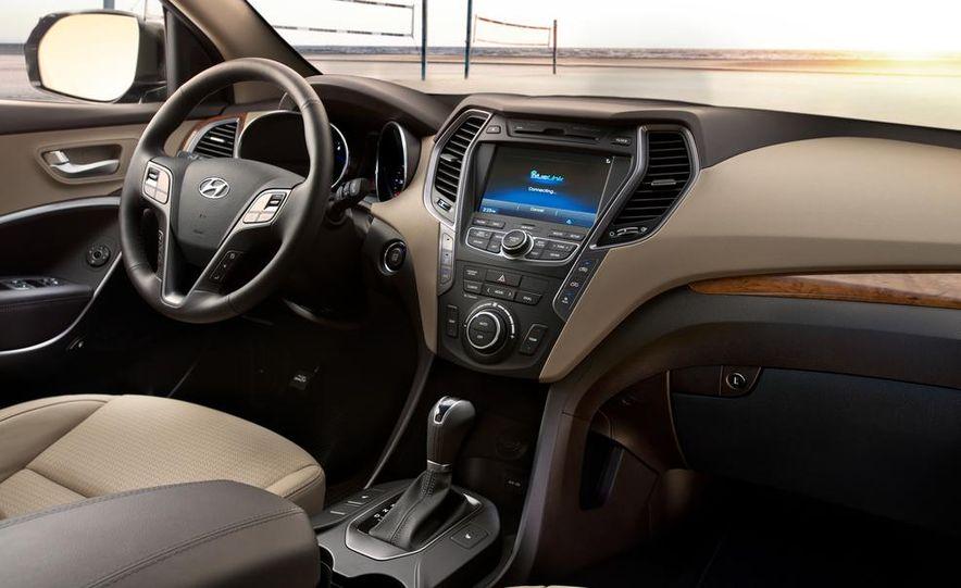 2014 Hyundai Accent hatchback and 2014 Hyundai Accent sedan models shown - Slide 36
