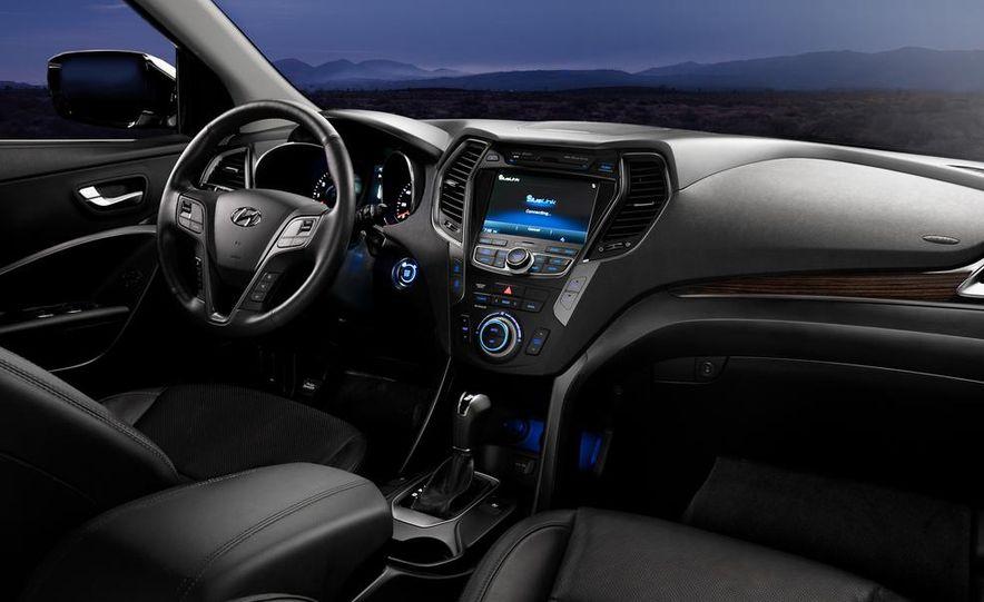 2014 Hyundai Accent hatchback and 2014 Hyundai Accent sedan models shown - Slide 39
