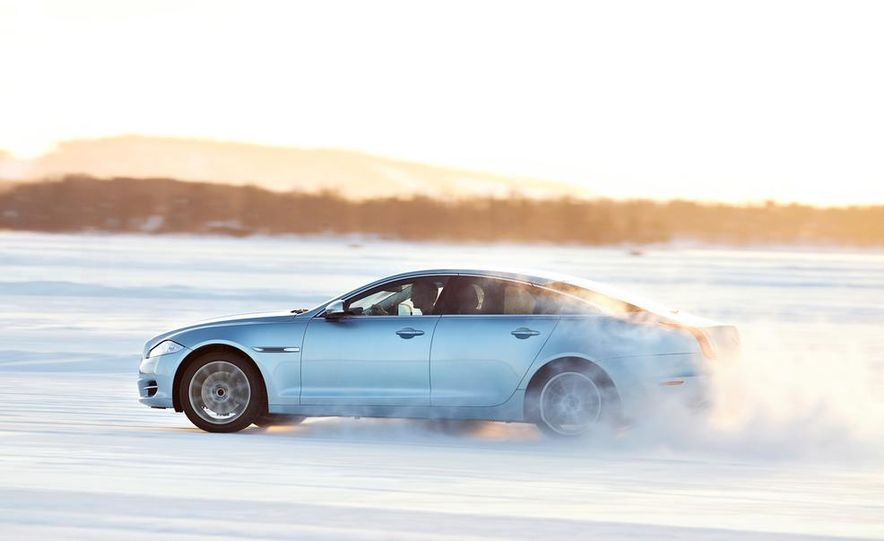 2015 Jaguar F-type R coupe - Slide 31