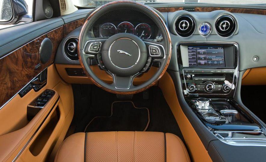 2015 Jaguar F-type R coupe - Slide 27
