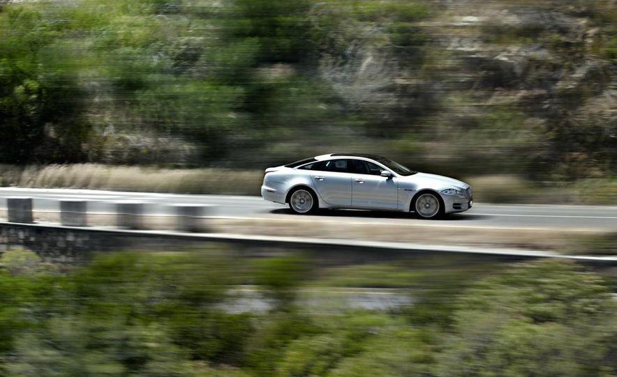 2015 Jaguar F-type R coupe - Slide 26