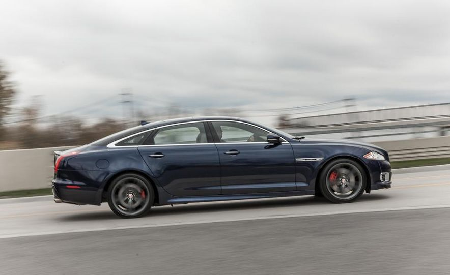 2015 Jaguar F-type R coupe - Slide 33