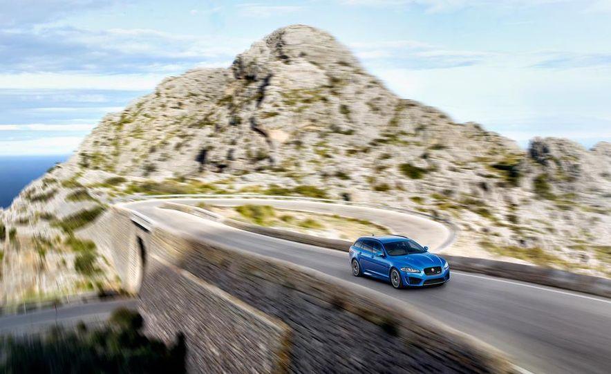 2015 Jaguar F-type R coupe - Slide 20
