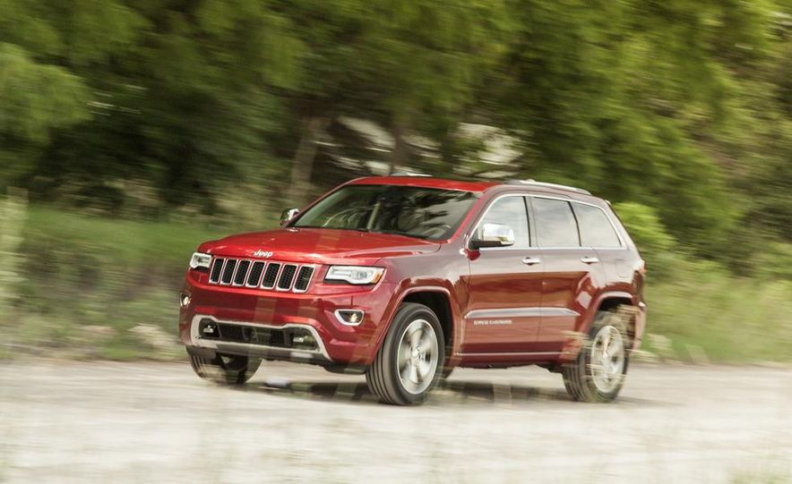 2014 Jeep Cherokee Trailhawk model shown - Slide 10