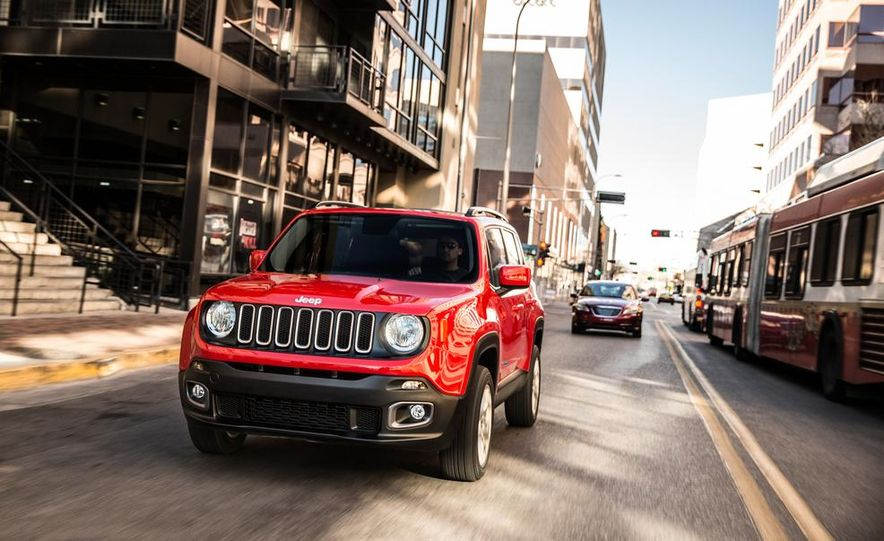 2014 Jeep Cherokee Trailhawk model shown - Slide 23