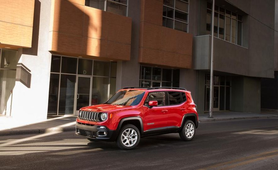 2014 Jeep Cherokee Trailhawk model shown - Slide 26