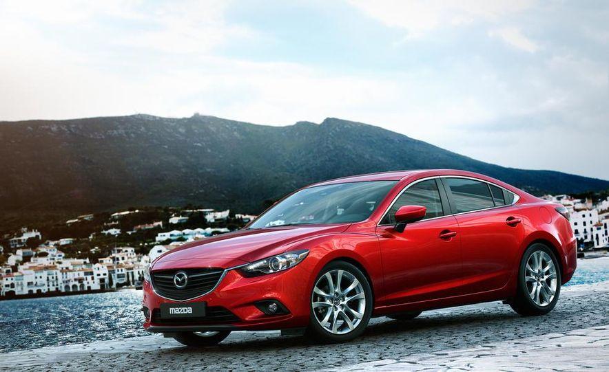 2013 Mazda 2 model shown - Slide 18
