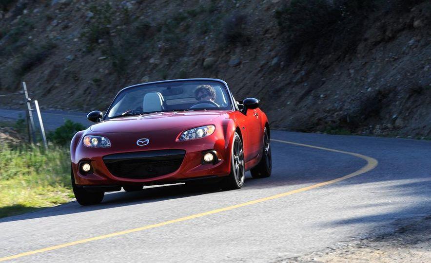 2013 Mazda 2 model shown - Slide 32