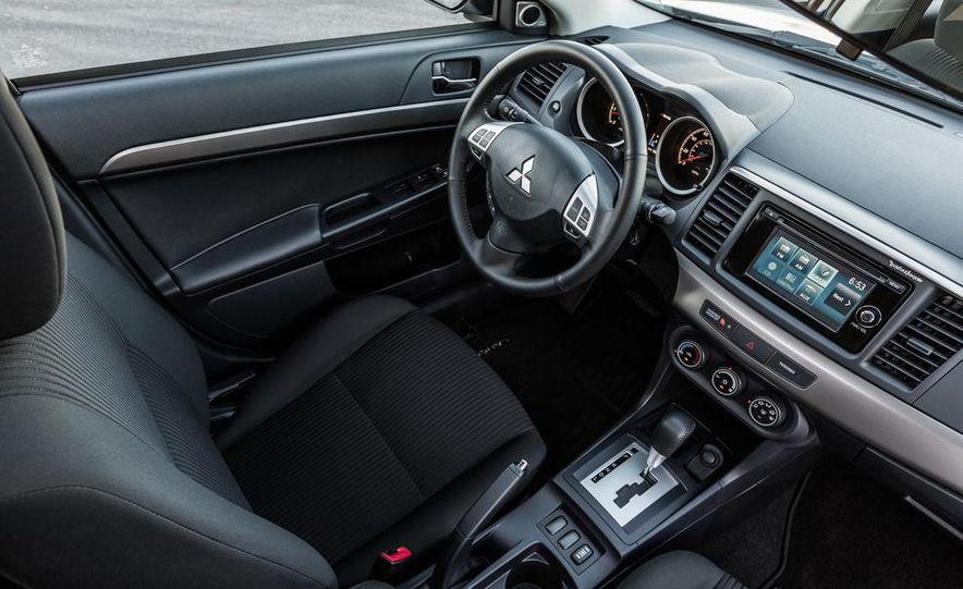 2014 Mitsubishi i-MiEV model shown - Slide 16