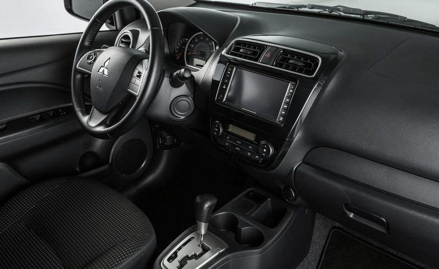 2014 Mitsubishi i-MiEV model shown - Slide 20