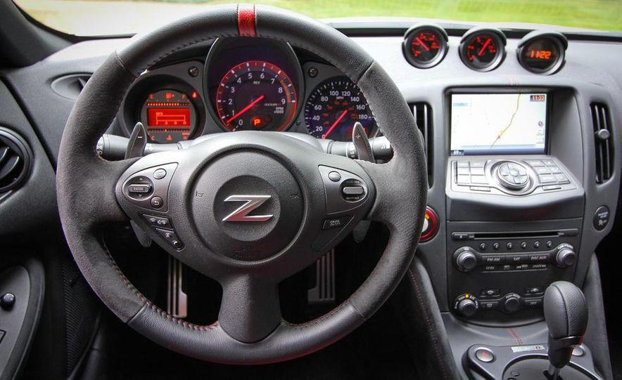 2015 Nissan 370Z - Slide 6