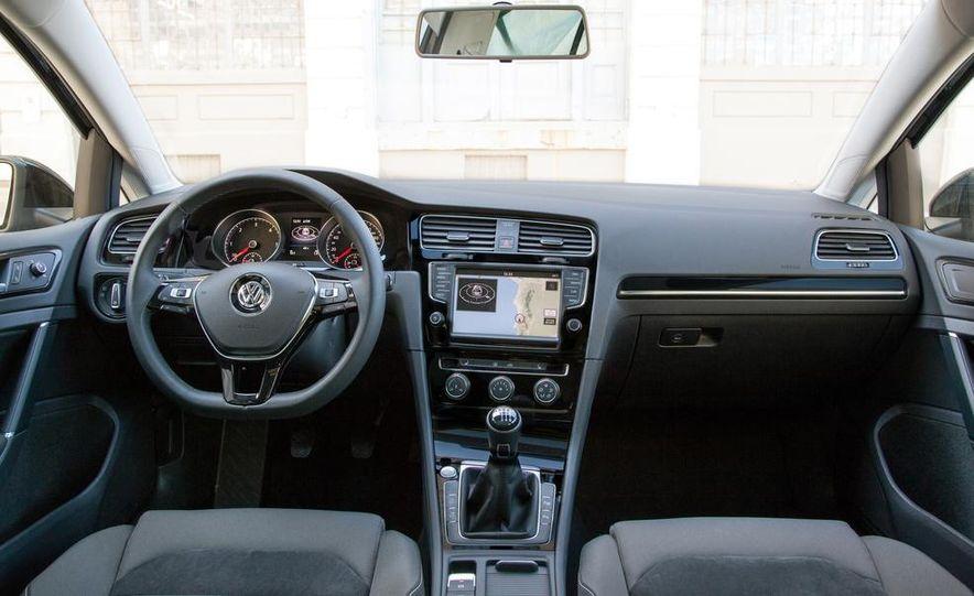 2014 Volkswagen Beetle GSR model shown - Slide 28