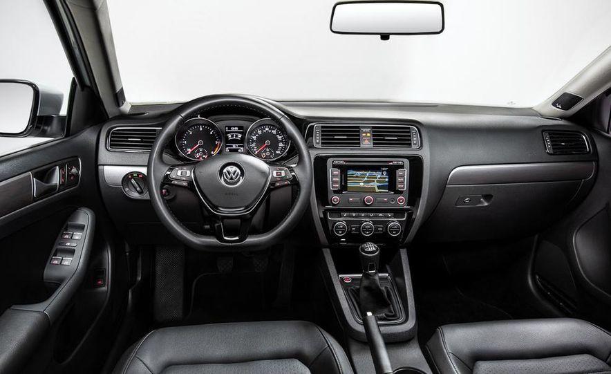 2014 Volkswagen Beetle GSR model shown - Slide 40