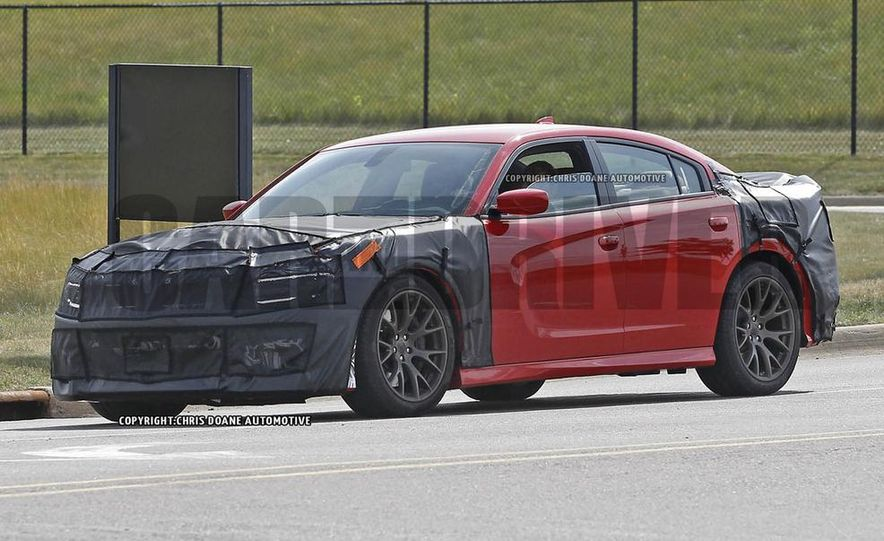 2015 Dodge Charger SRT Hellcat (spy photo) - Slide 2