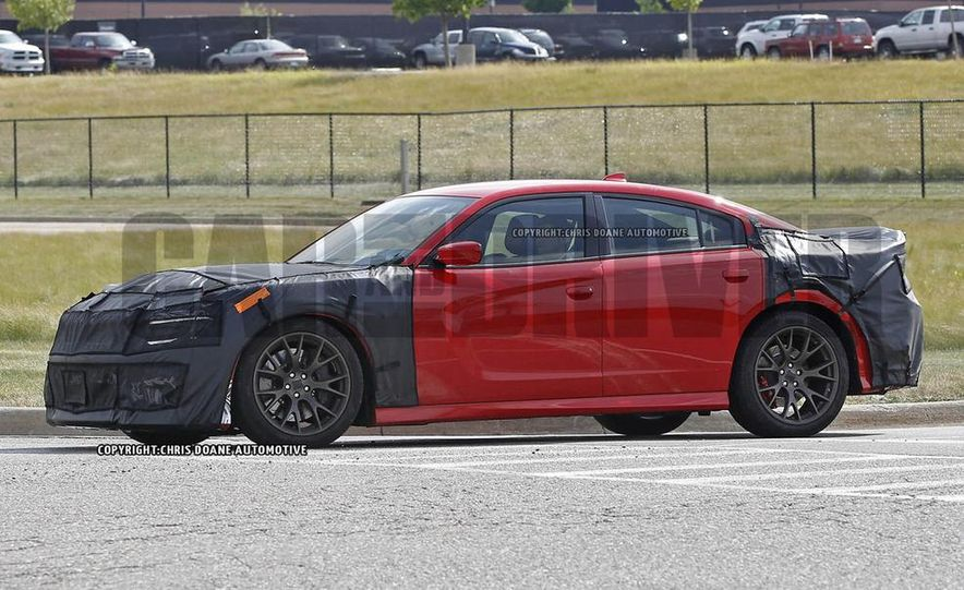 2015 Dodge Charger SRT Hellcat (spy photo) - Slide 3