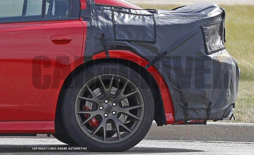 2015 Dodge Charger SRT Hellcat (spy photo) - Slide 7