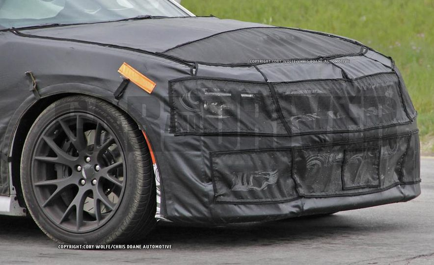 2015 Dodge Charger SRT Hellcat (spy photo) - Slide 13