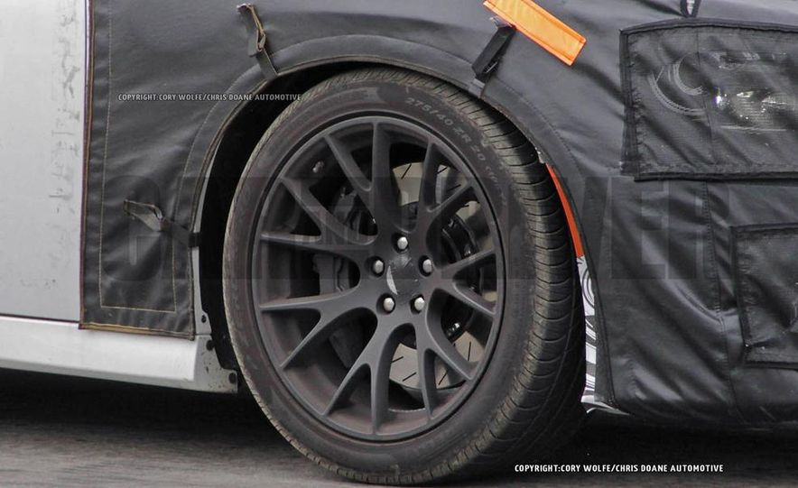 2015 Dodge Charger SRT Hellcat (spy photo) - Slide 15