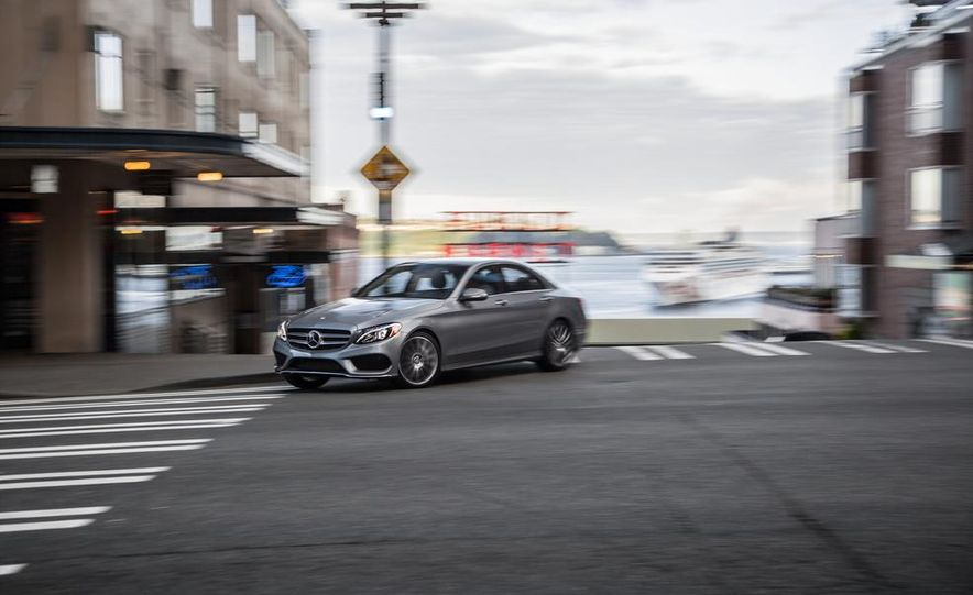 2015 Mercedes-Benz C300 4MATIC - Slide 2