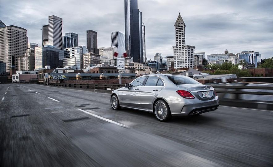 2015 Mercedes-Benz C300 4MATIC - Slide 8