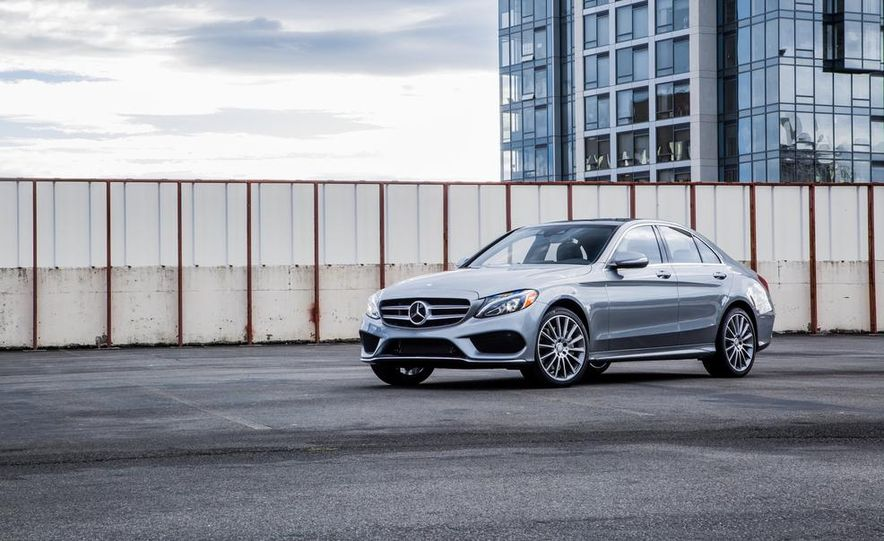 2015 Mercedes-Benz C300 4MATIC - Slide 13