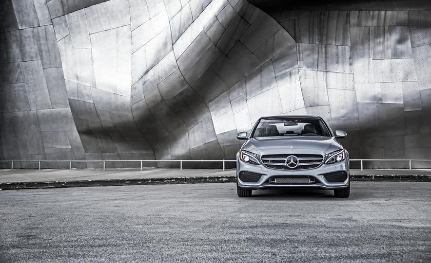 2015 Mercedes-Benz C300 4MATIC - Slide 24