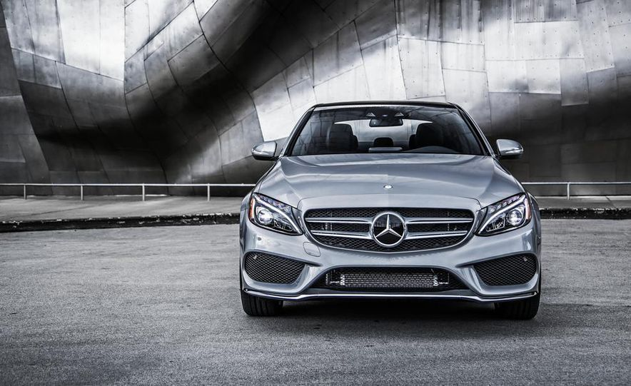 2015 Mercedes-Benz C300 4MATIC - Slide 31