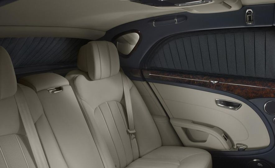2015 Bentley Continental GT Speed convertible - Slide 31