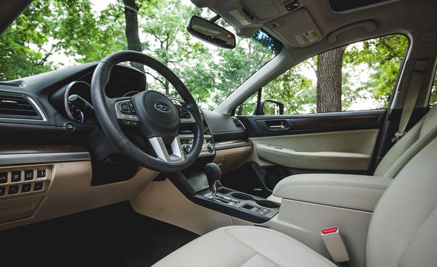2015 Subaru Outback 3.6R - Slide 32