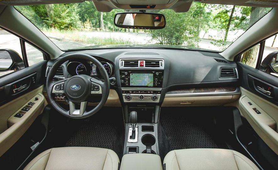 2015 Subaru Outback 3.6R - Slide 33