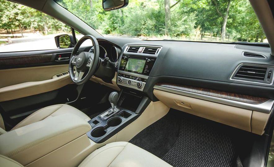 2015 Subaru Outback 3.6R - Slide 34