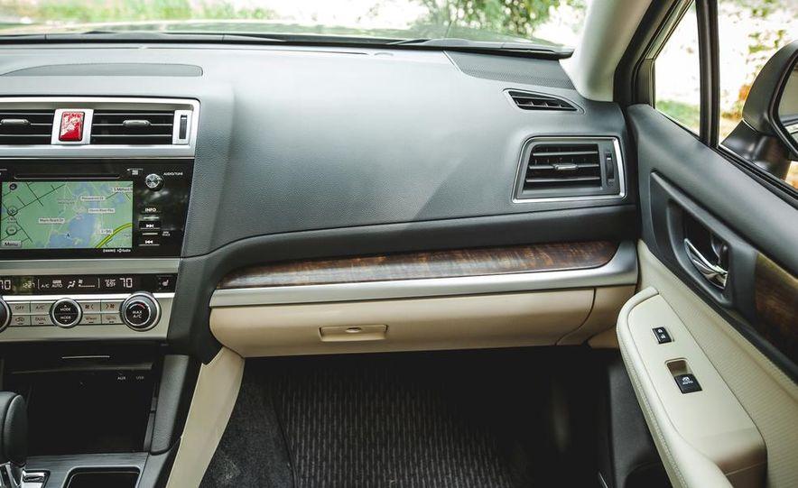 2015 Subaru Outback 3.6R - Slide 36