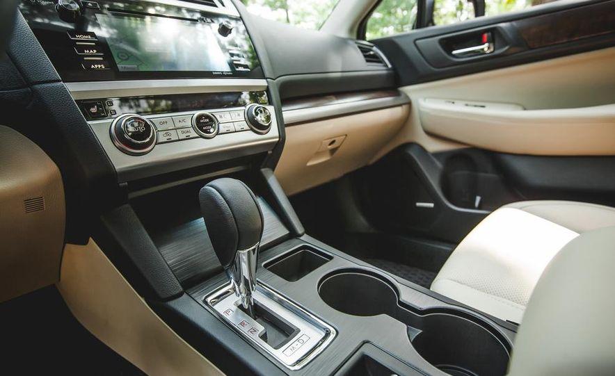 2015 Subaru Outback 3.6R - Slide 38