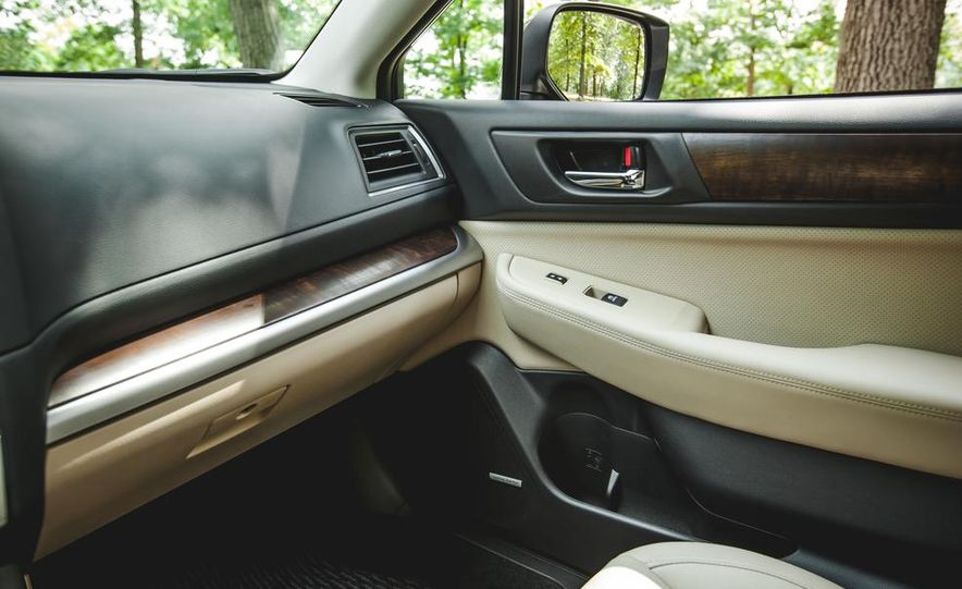 2015 Subaru Outback 3.6R - Slide 40