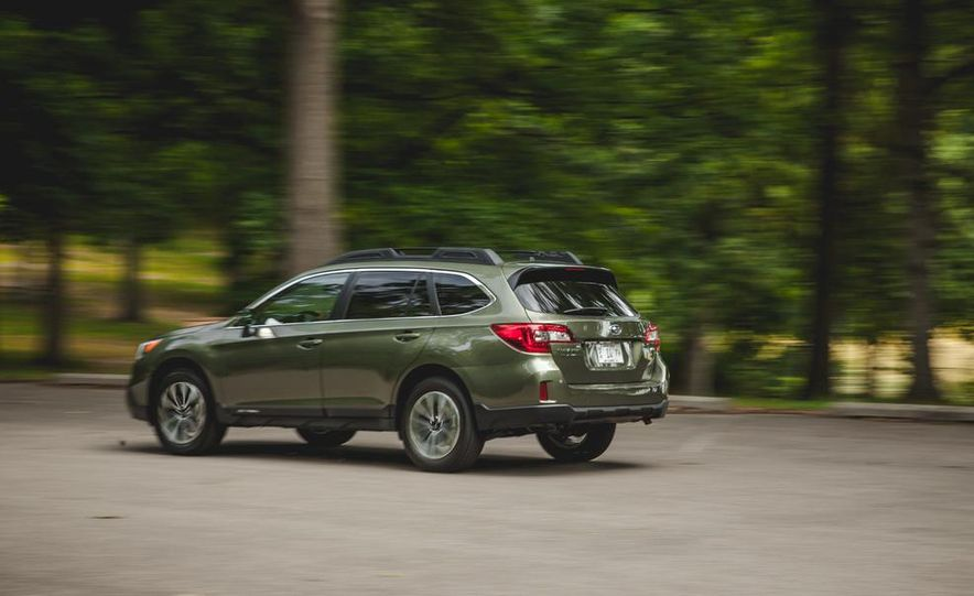 2015 Subaru Outback 3.6R - Slide 8