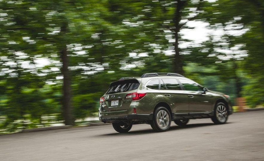 2015 Subaru Outback 3.6R - Slide 9