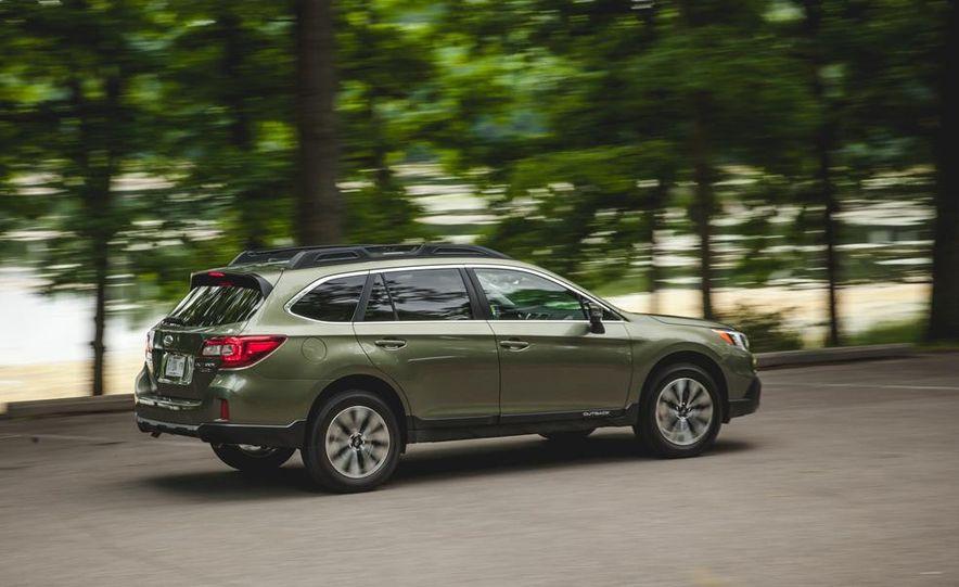 2015 Subaru Outback 3.6R - Slide 10