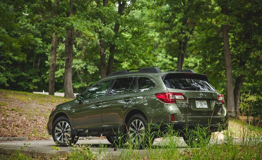 2015 Subaru Outback 3.6R - Slide 13