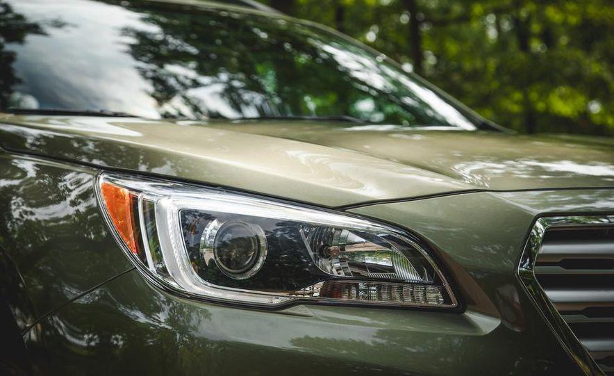 2015 Subaru Outback 3.6R - Slide 15