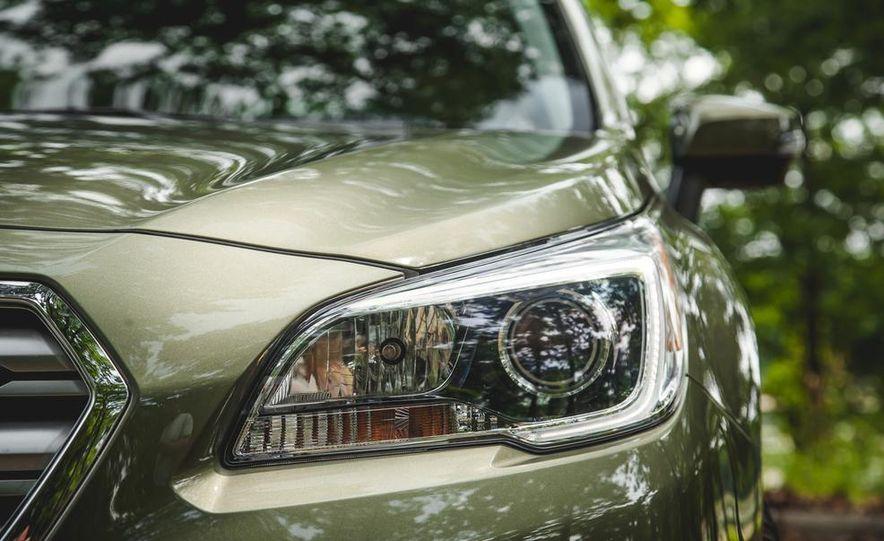 2015 Subaru Outback 3.6R - Slide 18