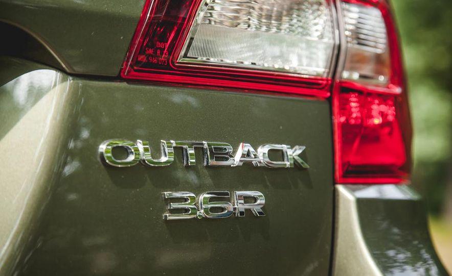 2015 Subaru Outback 3.6R - Slide 25