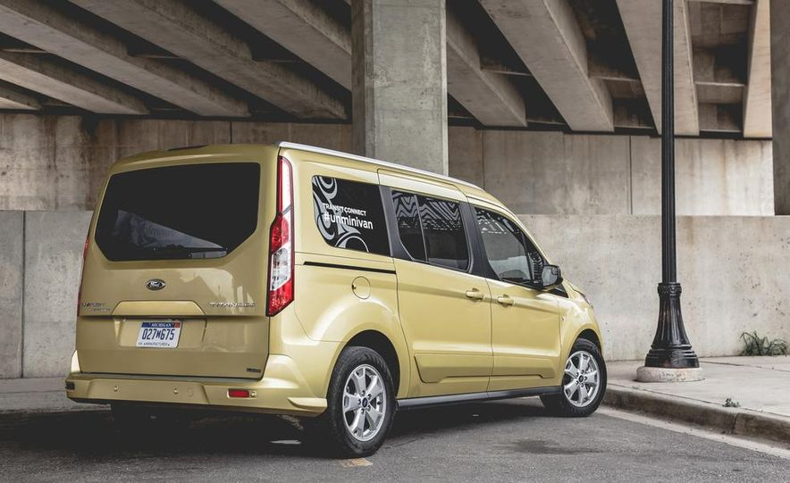 2014 Ford Transit Connect wagon - Slide 15