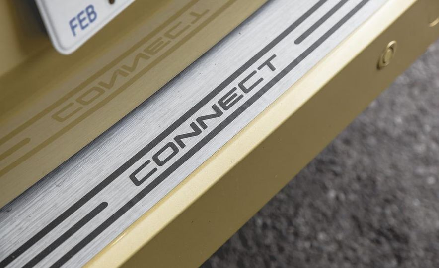 2014 Ford Transit Connect wagon - Slide 26