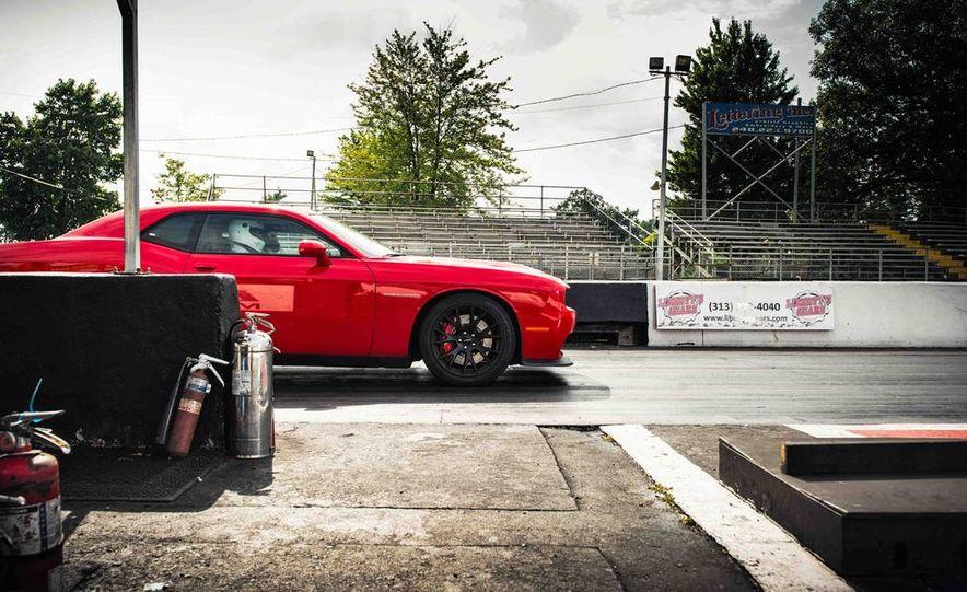 2015 Dodge Challenger SRT Hellcats - Slide 13