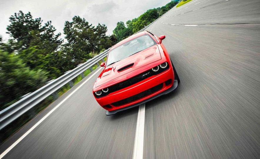 2015 Dodge Challenger SRT Hellcats - Slide 23