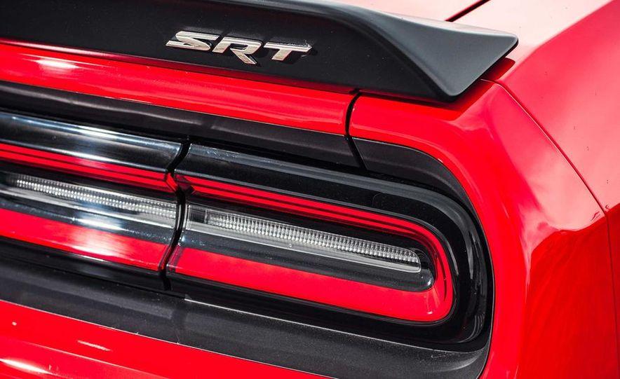 2015 Dodge Challenger SRT Hellcats - Slide 38