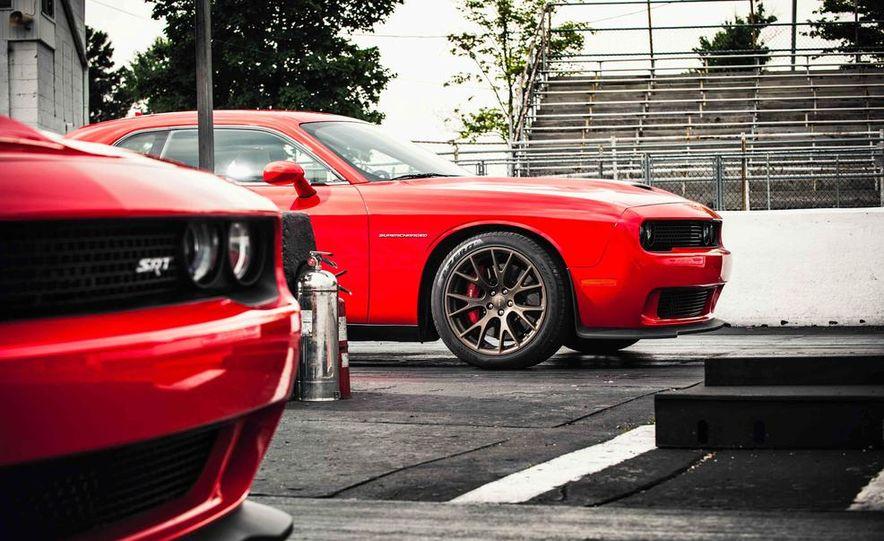 2015 Dodge Challenger SRT Hellcats - Slide 4