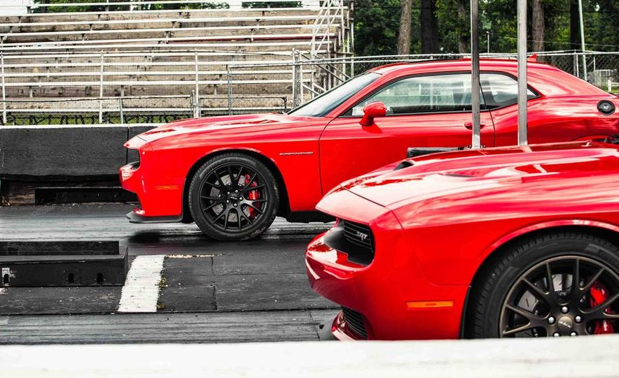 2015 Dodge Challenger SRT Hellcats - Slide 5